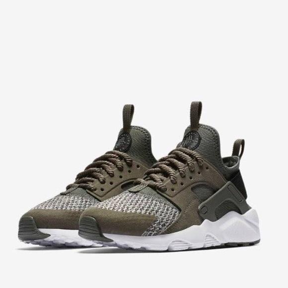 Contar Hecho para recordar Despertar  Nike Shoes   Nike Huarache Army Green Boys Shoes   Poshmark